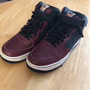 Nike Air Force One Mid GS Black and Red